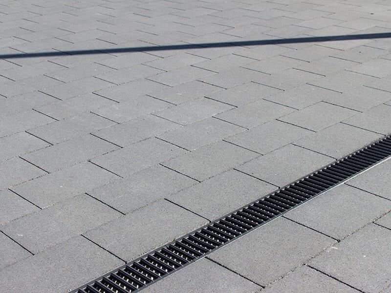 tegels voor terras of oprit met waterafvoer