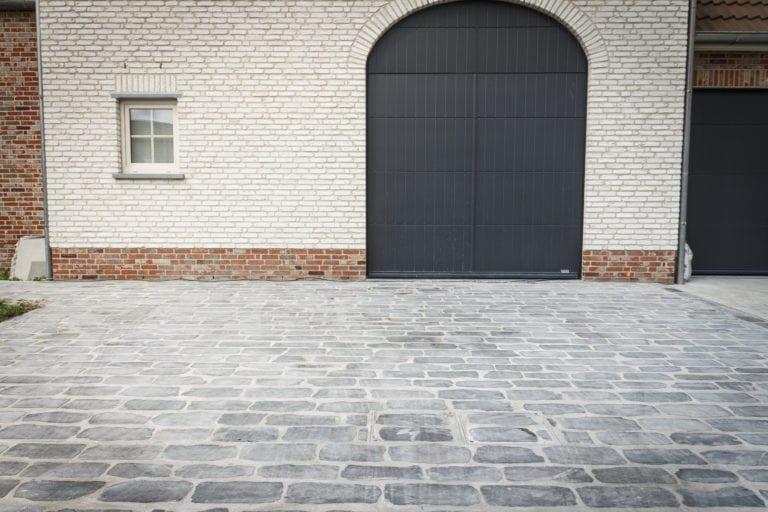01661-ZW-R-3 Vanhoucke Tuinen Nieuwenhove 11 Moorsele Belgische Blauwe Steen Kassei