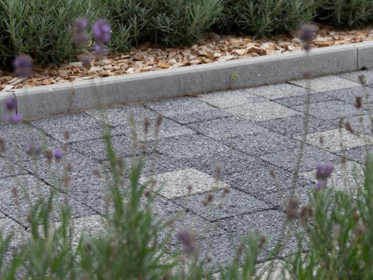 Beton tegels en klinkers waterdoorlatende