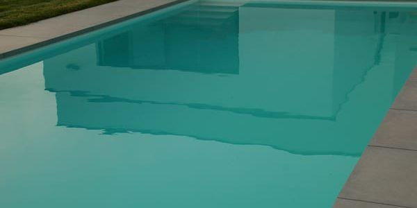 Keramische zwembadboorden