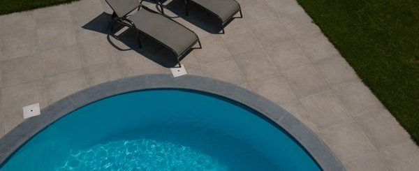grey london mid belgische blauwe steen zwembadboorden